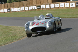 #722 1955 Mercedes-Benz 300SLR, class 5: Stirling Moss