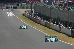 #16 Pescarolo Sport Pescarolo Judd: Emmanuel Collard, Jean-Christophe Boullion, Erik Comas in the lead