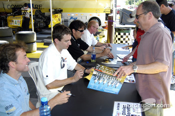 Autograph session: Olivier Beretta, Oliver Gavin, Ron Fellows and Johnny O'Connell