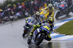 Start: Valentino Rossi leads the field