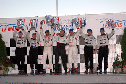 P1 podium:  class and overall winners Frank Biela and Emanuele Pirro, with Chris Dyson and Andy Wallace, and James Weaver and Butch Leitzinger