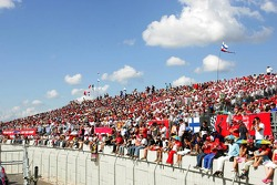 Fans at Istanbul Otodrom