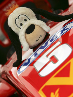 Mascott on the car of Ernesto Viso