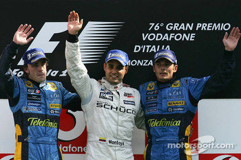 Podium: race winner Juan Pablo Montoya with Fernando Alonso and Giancarlo Fisichella
