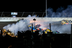 Huge crash in turn 3