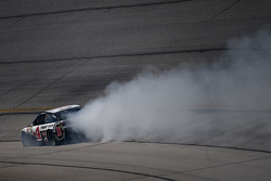 Kevin Harvick, Stewart-Haas Racing Chevrolet in trouble