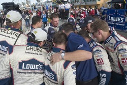 Lowe's Chevy crew members