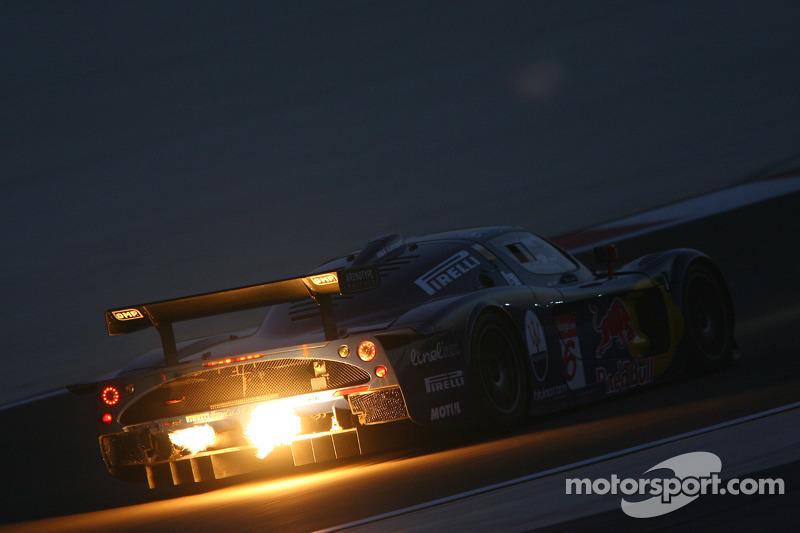 #16 JMB Racing Maserati MC-12 GT1: Philipp Peter, Jamie Davies
