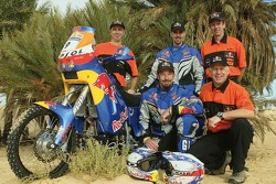 Team Red Bull KTM USA: Chris Blais and Andy Grider pose with Red Bull KTM USA team members