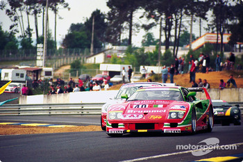 #40 Ferrari F40 GTE: Anders Olofsson, Luciano Della Noce, Tetsuya Oota