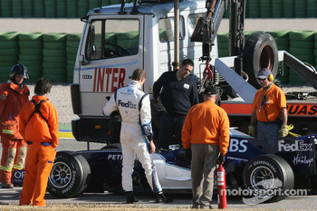 Alexander Wurz stopped on the track