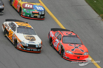 Jeff Burton and Dale Jarrett battle for the lead