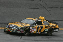 Matt Kenseth heads back to pits
