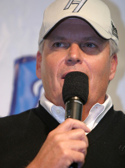 Jimmie and Chandra Johnson announce charitable foundation: Rick Hendrick