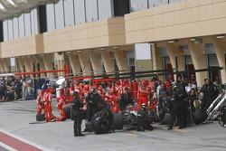 McLaren and Ferrari make pitstop