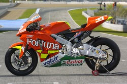 Photoshoot: the Fortuna Honda of Marco Melandri