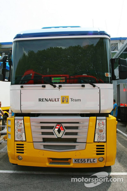 renault transporter at san marino gp. Black Bedroom Furniture Sets. Home Design Ideas