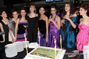 Formula Unas girls with a special Red Bull cake
