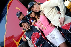 Neel Jani, Vitantonio Liuzzi and Scott Speed with a Formula Una girl