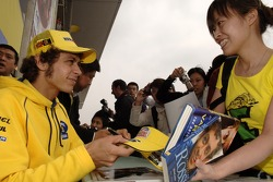 Autograph session for Valentino Rossi