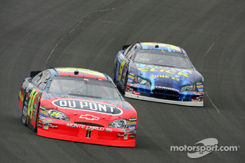 Jeff Gordon leads Kasey Kahne