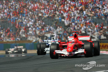 Michael Schumacher leads Jacques Villeneuve