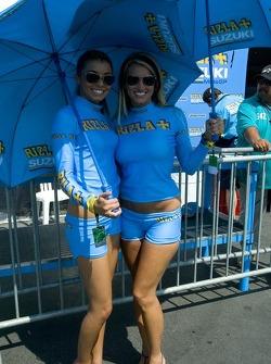 Suzuki umbrella girls