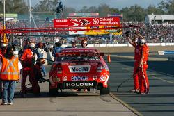 Mark Skaife in for tyres