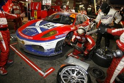 Pitstop for #62 Scuderia Ecosse Ferrari 430 GT2 LM: Nathan Kinch, Andrew Kirkaldy, Marino Franchitti