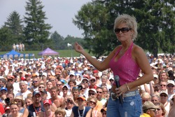 Lorrie Morgan performs