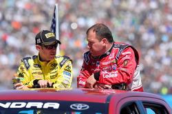 Matt Kenseth, Joe Gibbs Racing Toyota, Ryan Newman, Richard Childress Racing Chevrolet