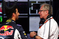 (L to R): Daniel Ricciardo, Red Bull Racing with Dr Helmut Marko, Red Bull Motorsport Consultant