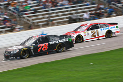 Martin Truex Jr., Furniture Row Racing Chevrolet and Ryan Blaney, Wood Brothers Racing Ford