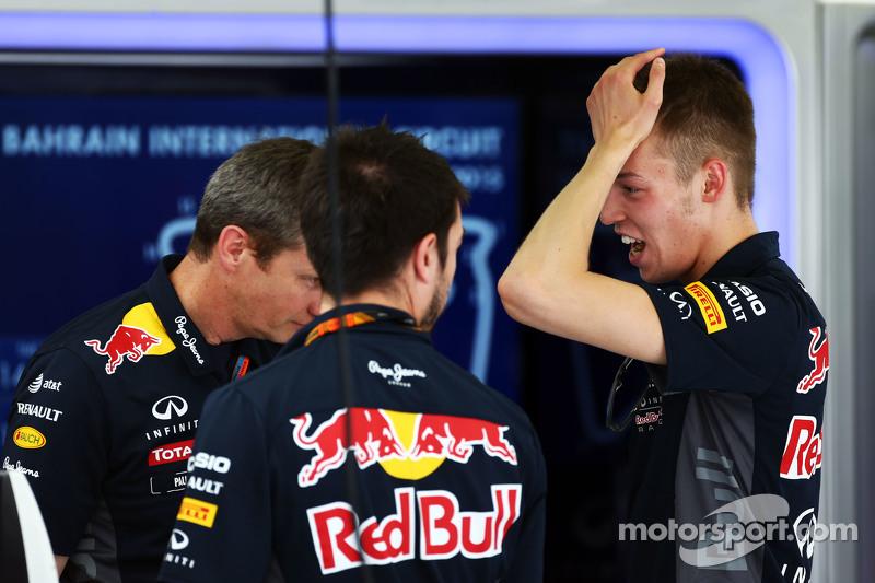 Paul Monaghan, Red Bull Racing Chief Engineer, and Daniil Kvyat, Red Bull Racing