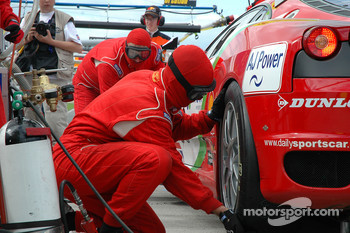 Pitstop for #99 Virgo Motorsport Ferrari F430 GT: Dan Eagling, Tim Sugden