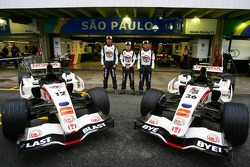 Honda Racing F1 photoshoot: Jenson Button,  Anthony Davidson and Rubens Barrichello with special Lucky Strike leaving F1 livery