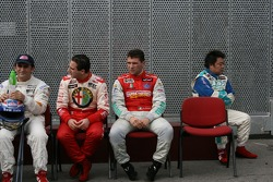 WTCC drivers group picture: Alex Zanardi, Salvatore Tavano, Diego Romanini, Ao Chi Hong