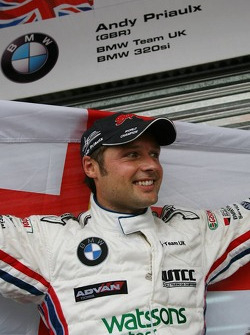Podium: 2006 WTCC champion Andy Priaulx celebrates