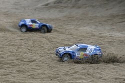 Volkswagen Motorsport test at Strandkai Beach Resort, Hamburg: Volkswagen Race Touareg RC-Car