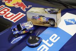 Volkswagen Motorsport presentation: Volkswagen Race Touareg 2 RC-Car