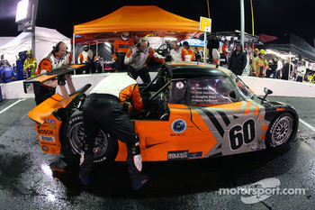 Pitstop for #60 Michael Shank Racing Lexus Riley: Mark Patterson, Oswaldo Negri, Helio Castroneves, Sam Hornish Jr.