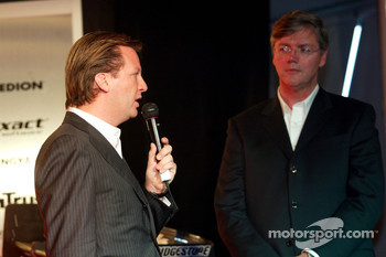 Michiel Mol talks about the new car with Victor Muller