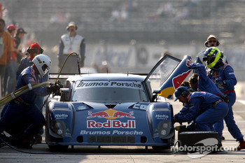 Pitstop for #58 Red Bull/ Brumos Porsche Porsche Riley: David Donohue, Darren Law