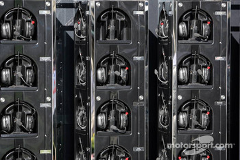 McLaren Mercedes, Headphones