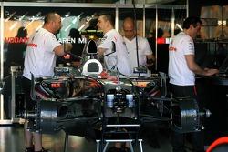 McLaren Mercedes, Pit Garage