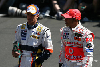 Heikki Kovalainen, Renault F1 Team with Lewis Hamilton, McLaren Mercedes