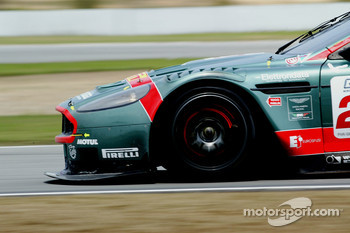 #22 Aston Martin Racing BMS Aston Martin DBR9: Giorgio Mondini, Ferdinando Monfardini