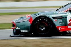 #22 Aston Martin Racing BMS Aston Martin DBR9: Giorgio Mondini, Ferdinando Monfardini