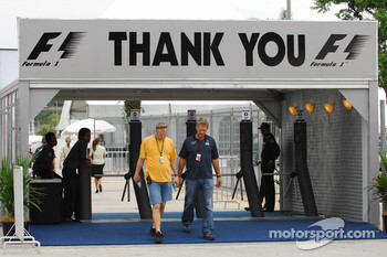 Paddock entrance-exit