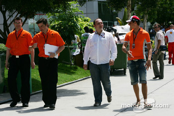 Colin Kolles, Spyker F1 Team, Team Principal and Adrian Sutil, Spyker F1 Team